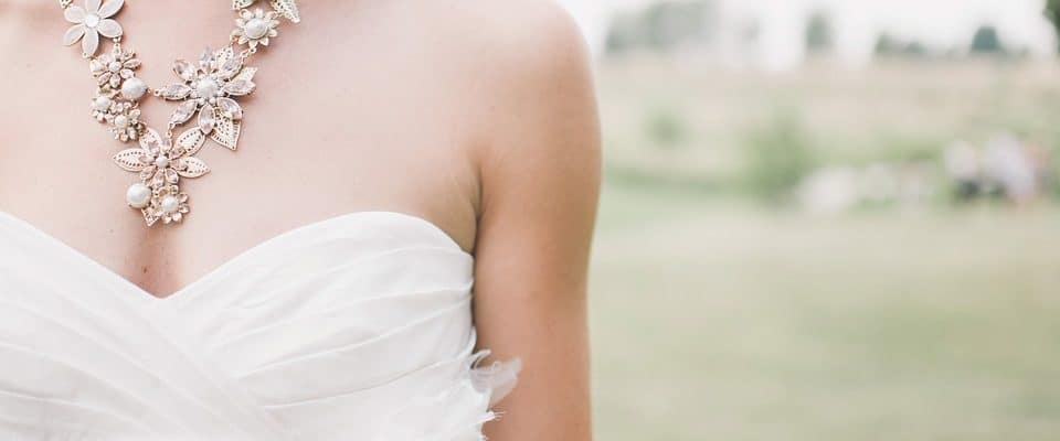 7 practical tips for choosing bridal jewelry